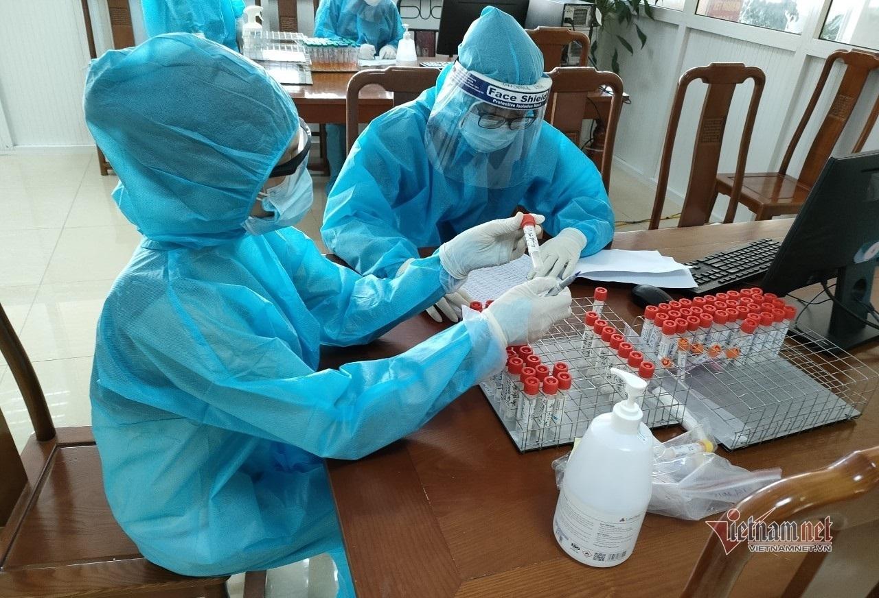 Phòng xét nghiệm giúp sức tâm dịch Bắc Giang từ khoảng cách 140km