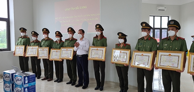 168 cán bộ y tế CAND được Chủ tịch UBND tỉnh Bắc Giang tặng bằng khen